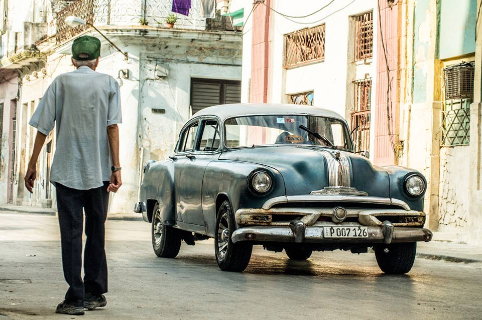 A men walking in Havana