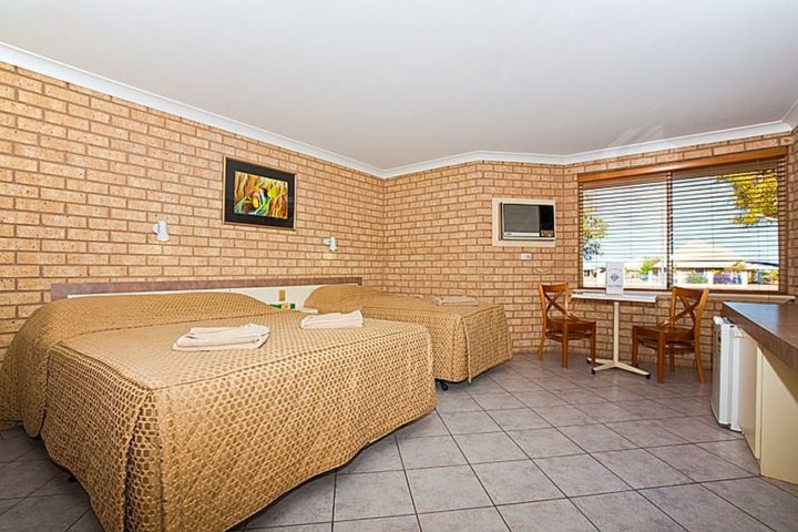 queen & single bed resort room